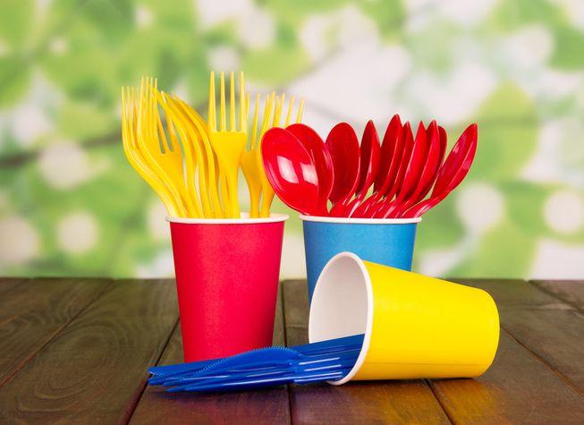 Resultado de imagem para copo, pratos, bandeja, de plastico