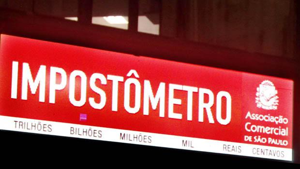 Impostômetro atinge marca de R$ 300 bilhões neste sábado