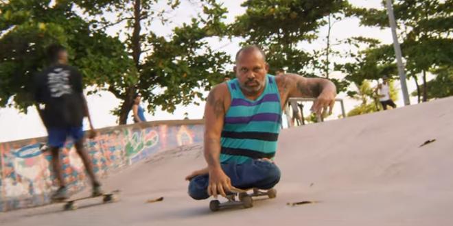 Skatista brasileiro portador de necessidades especiais participa de clipe de AWOLNATION