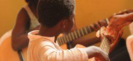 ONG Visão Mundial lança escola de música para crianças em Recife