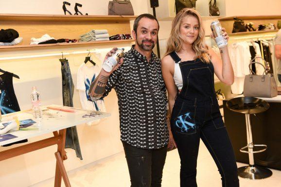 Calvin Klein Jeans faz ação de roupas customizadas com grafiteiro Zezão a73ccdd660
