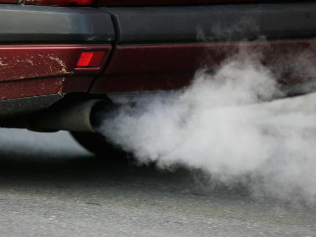 Projeto obriga montadoras a divulgar nível de poluentes emitidos por carros