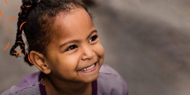 Movimento de ONG Internacional ajuda crianças brasileiras em situação de vulnerabilidade